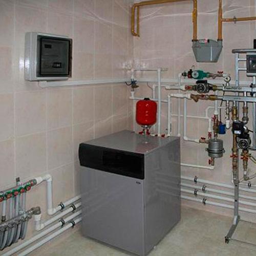 Монтаж котельной, установка напольного котла Baxi мощностью до 40 кВт